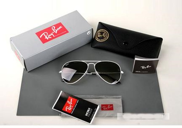 Come riconoscere i ray ban originali da quelli falsi gloos blog - Ray ban aviator lenti a specchio ...